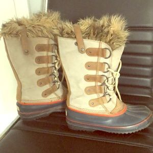 Used / Worn Beige Tall Sorel Tie Up Faux Fur Boots